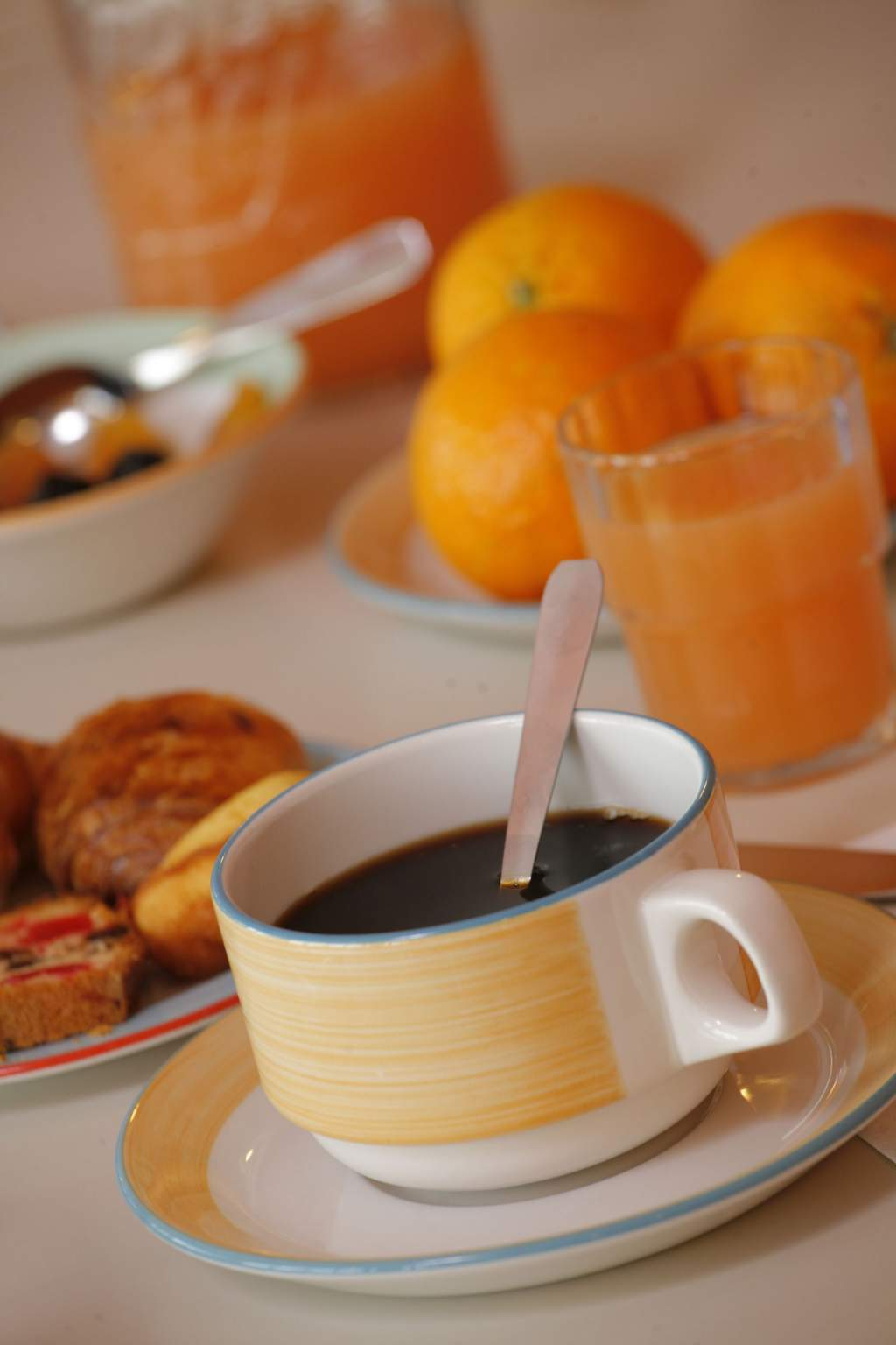coffee, fruit juice, breakfaast